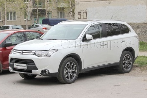 Mitsubishi Outlander New Белого цвета