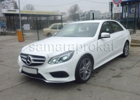 Mercedes-Benz E 200 New белого цвета