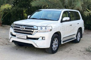 Toyota Land Cruiser 200 NEW белого цвета